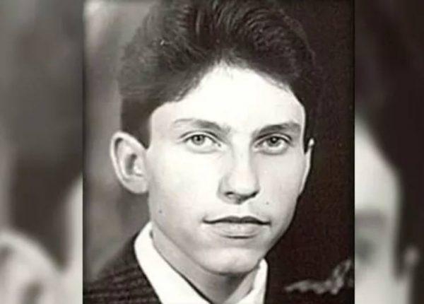 Александр Ревва в юности. Фото