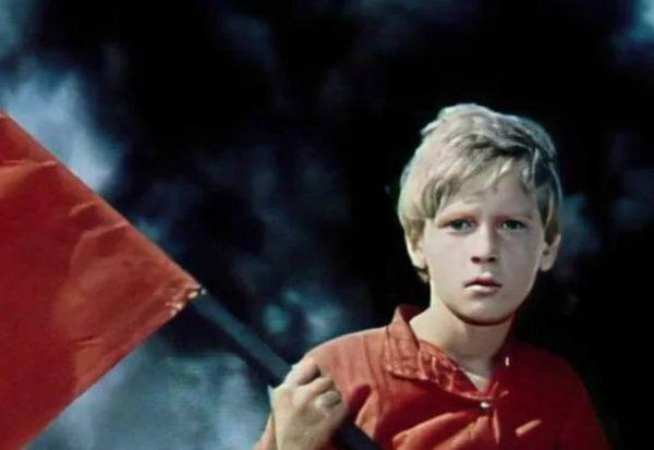 Серёжа Остапенко в роли Мальчиша Кибальчиша. Кадр из фильма