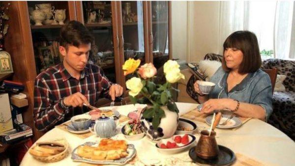 Наталья Варлей с внуком Евгением. Фото starhit.ru
