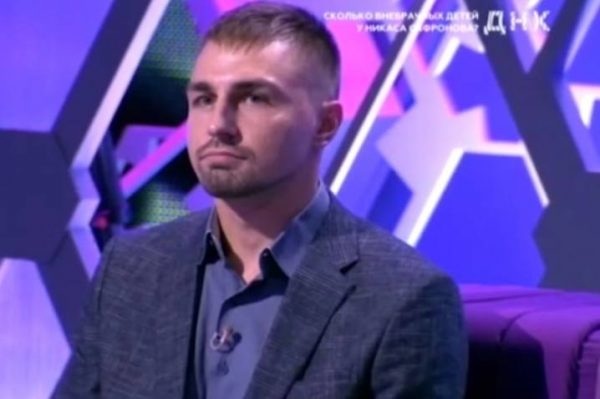 Сын Никаса Сафронова Александр на передаче ДНК. Фото argumentiru.com