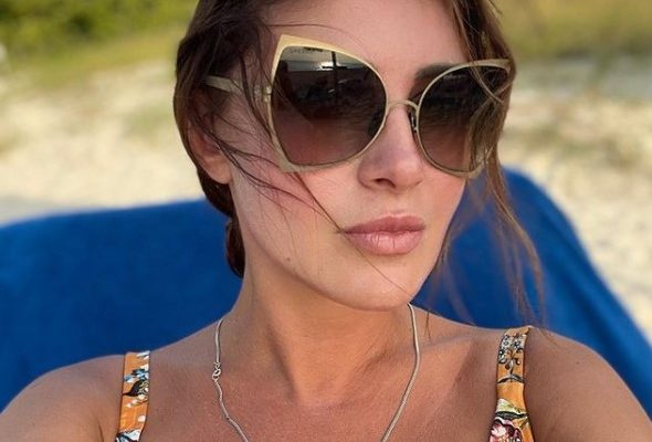 """""""Наконец-то у неё отобрали телефон"""", - Анна Нетребко обрадовалась уходу Макеевой"""