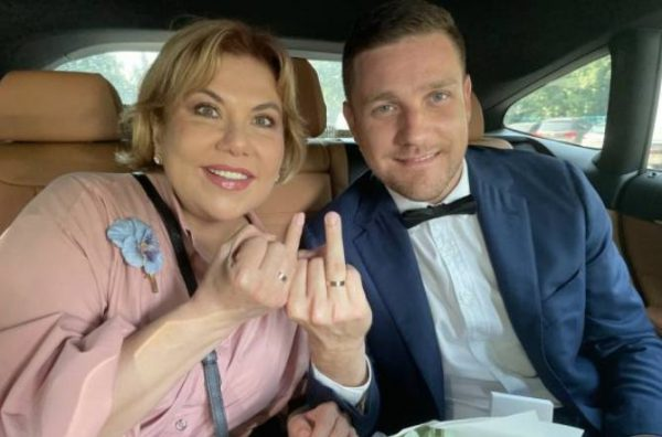 Марина Федункив с молодым мужем. Фото: kp.ru
