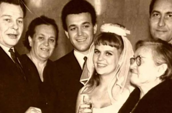 Свадьба Кобзона с Викторией Кругловой. Фото cosmo.ru