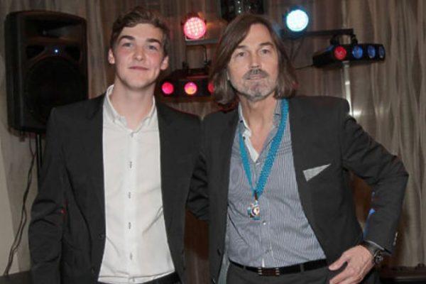 Никас Сафронов с сыном Стефано. Фото alabanza