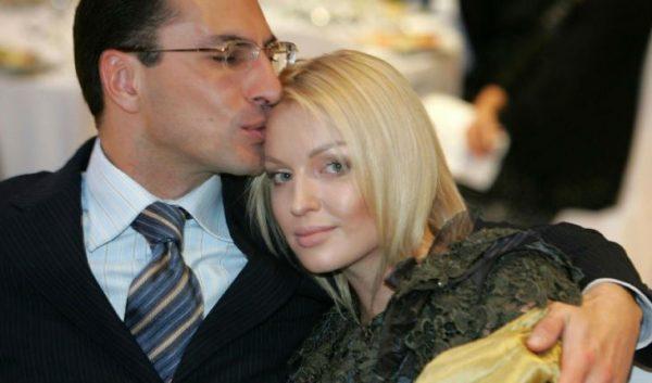 Анастасия Волочкова и Сулейман Керимов. Фото uznayvse.ru