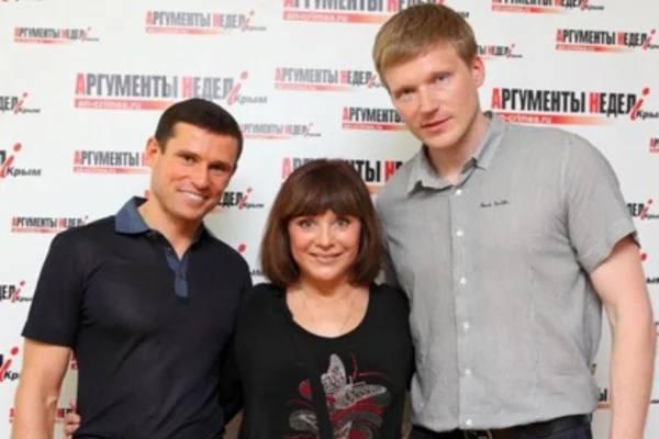 Наталья Варлей с сыновьями. Фото otveklik