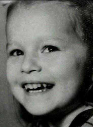 Виктория Толстоганова в детстве