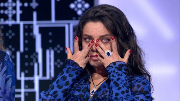 Наташа Королева плачет