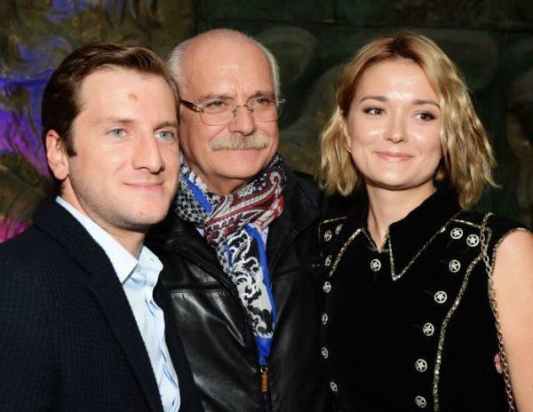 Никита Михалков с дочкой и зятем