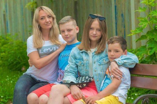 Светлана Малькова с детьми