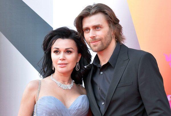 Пётр Чернышёв и Анастасия Заворотнюк, фото:zvezdi.ru