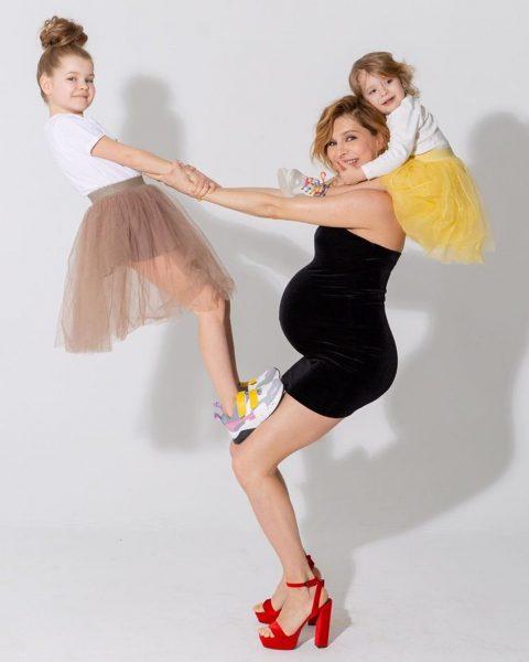 лена Подкаминская с дочками