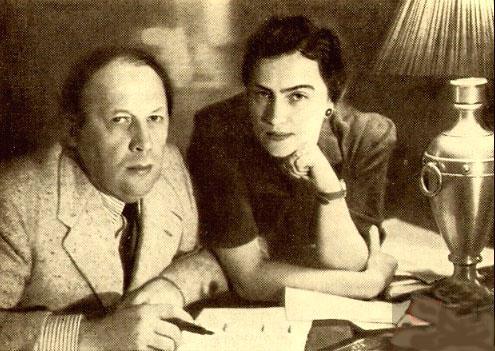 А. Н. Толстой и его четвёртая жена Л. И. Толстая (Крестинская). Барвиха, 1943-44 г. Фото из коллекции Анатолия Панфиля
