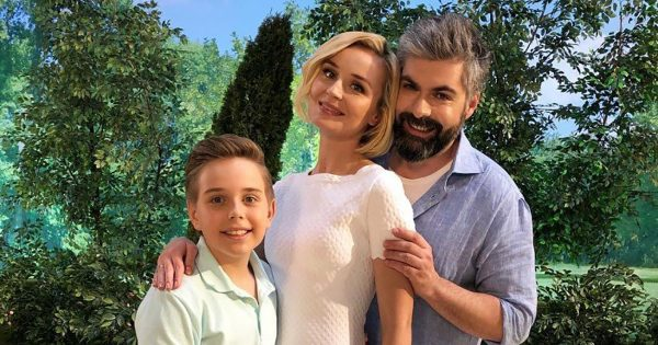 Дмитрий Исхаков и Полина Гагарина с сыном, фото:susanin.fun