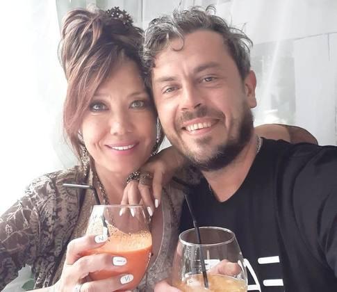 Азиза с мужем. Фото womanhit.ru
