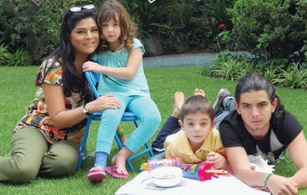Виктория Руффо с детьми