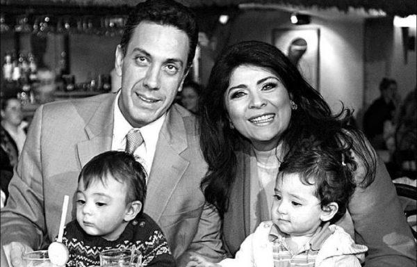 Виктория Руффо и Омар Файяд с детьми