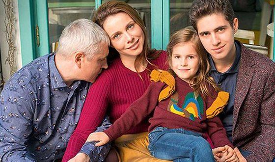 Екатерина Гусева с мужем и детьми. Фото uznayvse.ru