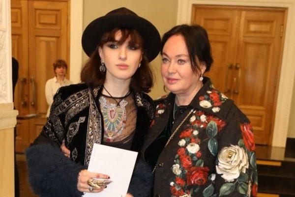 Лариса Гузеева с дочерью, фото:vmo24.ru