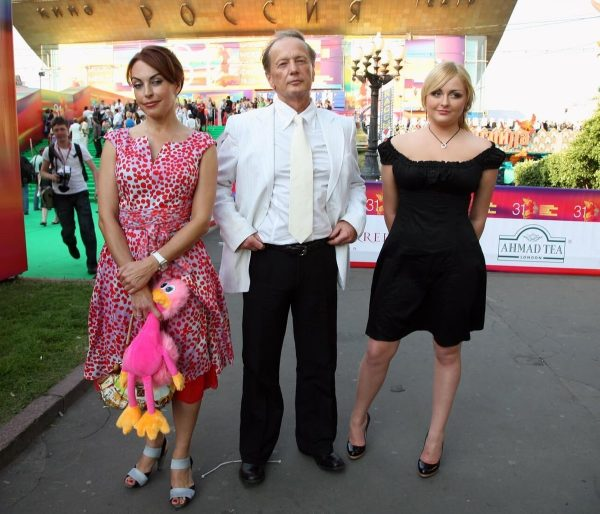 Михаил Задорнов с женой и дочерью