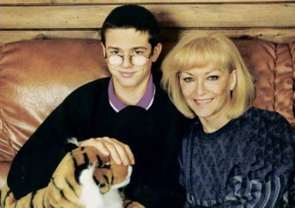 Брыльска с сыном Людвигом. Фото: wellnesso.ru