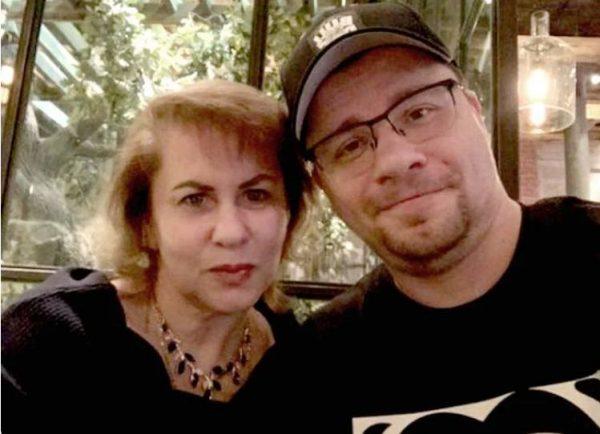 Гарик Харламов с мамой. Фото Инстаграм