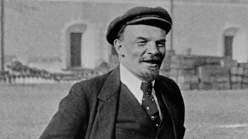 Некрасивая жена и красивая любовница Ленина: история любовного треугольника