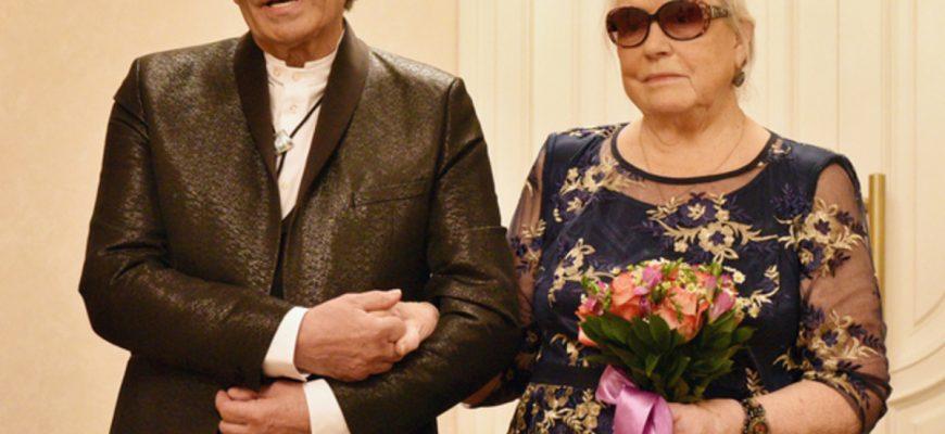 Свадьба Алибасова и Шукшиной. Фото iz.ru