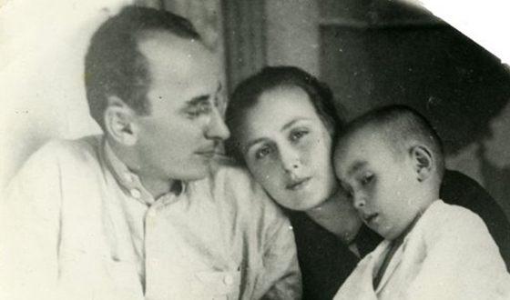 Семейное фото Берии