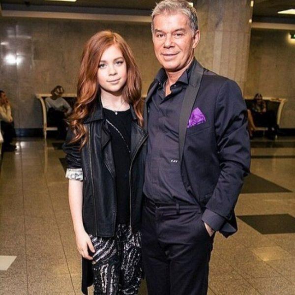 Олег Газманов с дочерью, фото:tvcenter.ru