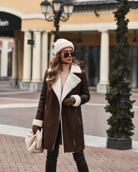 Самые стильные зимние новинки сезона 2021-2022. Стильные пальто, пуховики, куртки и шубы. Фото модных образов