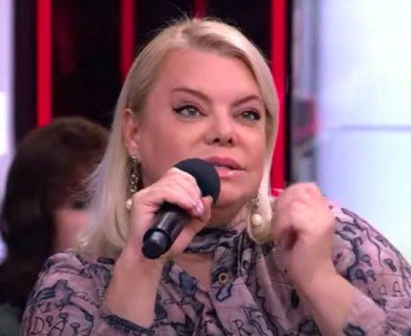 Яна Поплавская в студии. Фото glas.ru