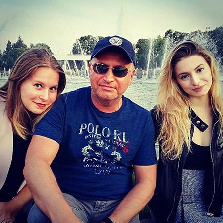 Совершенно очаровательные дочери Агутина - Лиза и Полина