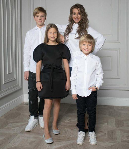 Юлия Барановская с детьми, фото:cosmo.ru