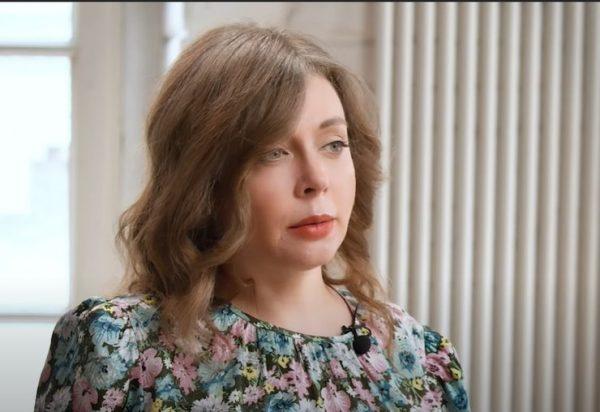 Томная Божена Рынска считает, что приятно быть красивой для себя самой, кадр из ютуб-шоу