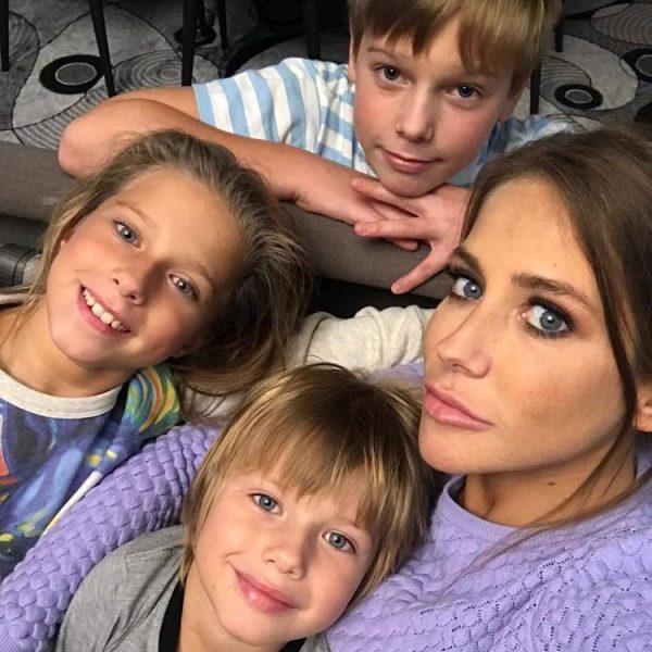 Дочь Аршавина рассказала, что думает об отце, который бросил семью ради Казьминой, и не общался с детьми шесть лет