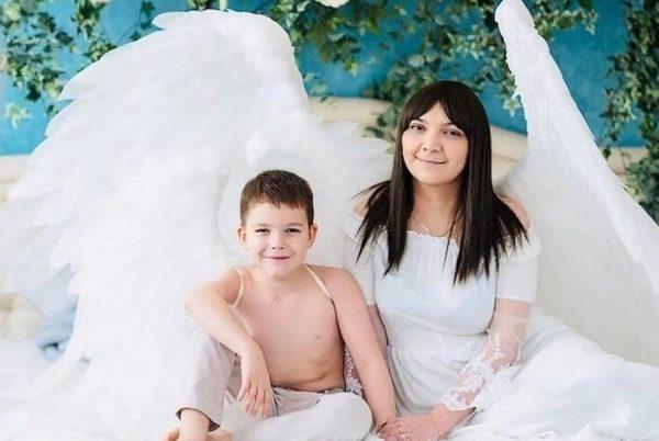 Айгуль Фазыйлова с сыном, фото:Яндекс.Дзен