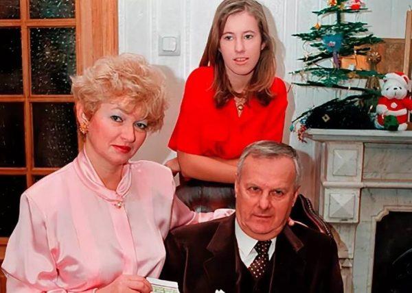 Ксения Собчак с родителями. Фото muzhyazheny