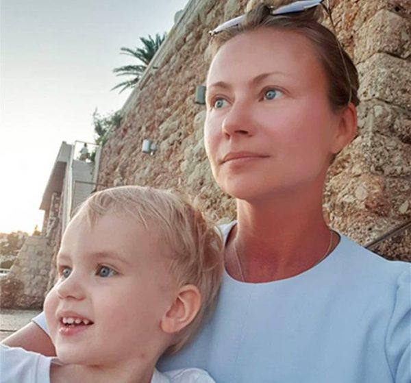 Мария Миронова с младшим сыном Андреем. Фото Инстграгам