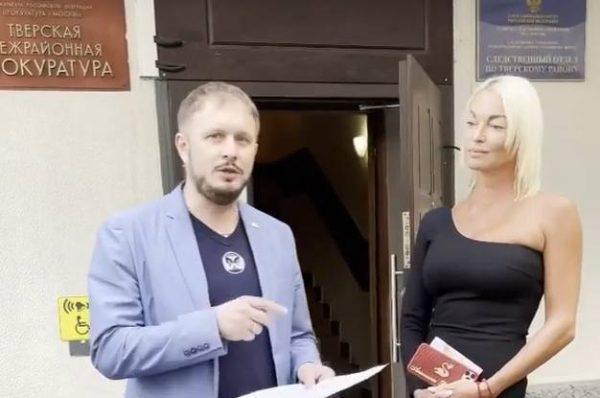 Анастасия Волочкова и адвокат Евгений Корчаго. Фото Инстаграм