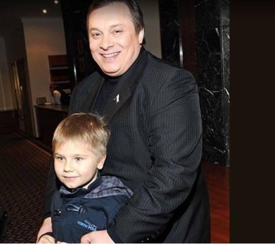 Андрей Разин с сыном Сашей. Фото 24smi.org