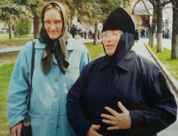 Ольга Шукшина сейчас глубоко верующий человек
